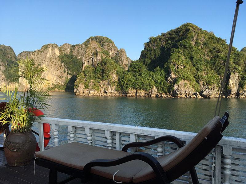 Transat sur la jonque Baie d'Halong